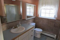 618 Lindsey St. NA bathroom master
